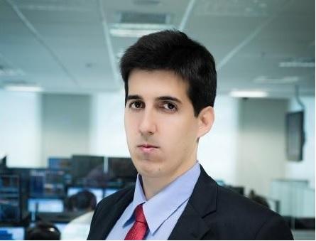Marcelo Torto - Aprovado no concurso para Auditor Fiscal da Receita Federal com apenas três meses de estudo