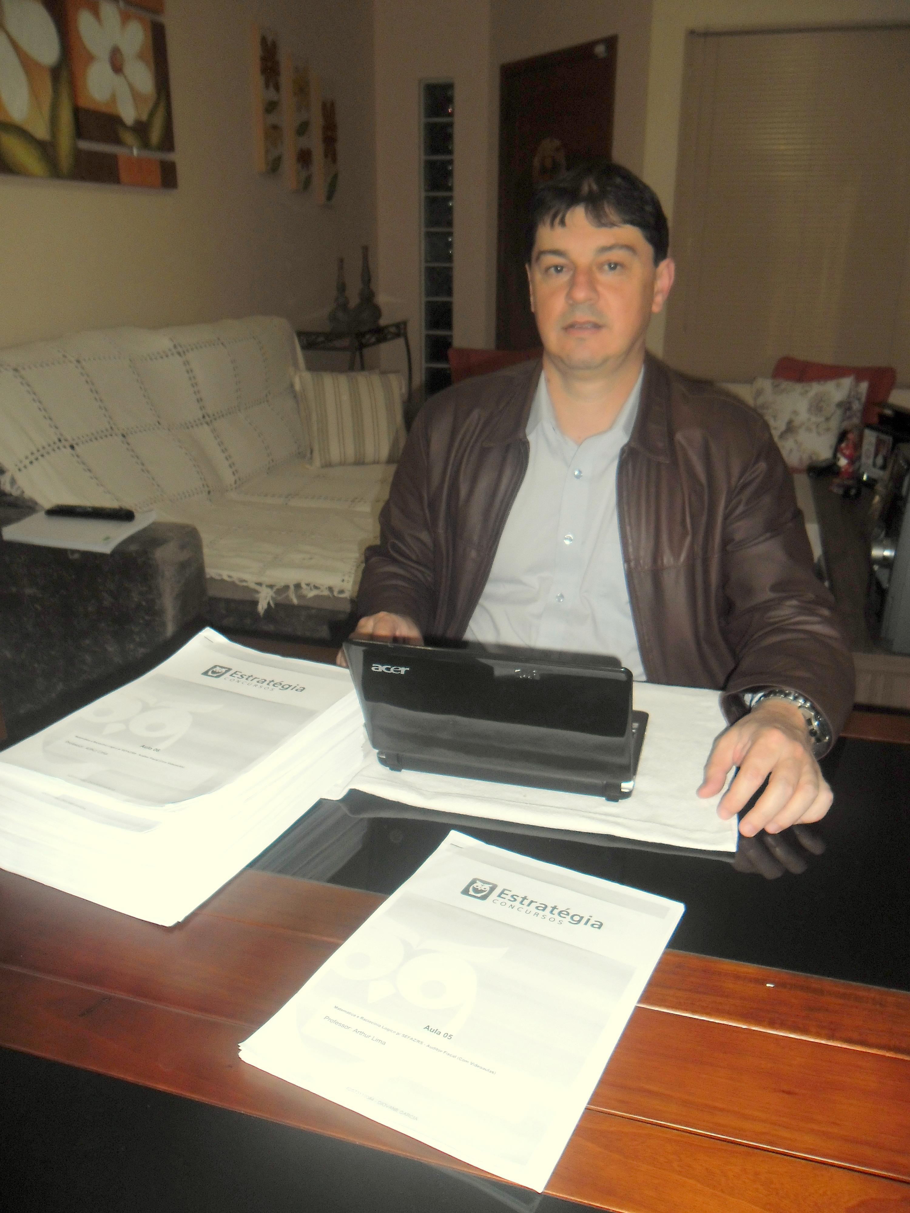 Diovane Garcia - Aprovado no concurso de Auditor Fiscal da SEFAZ/RS 2014