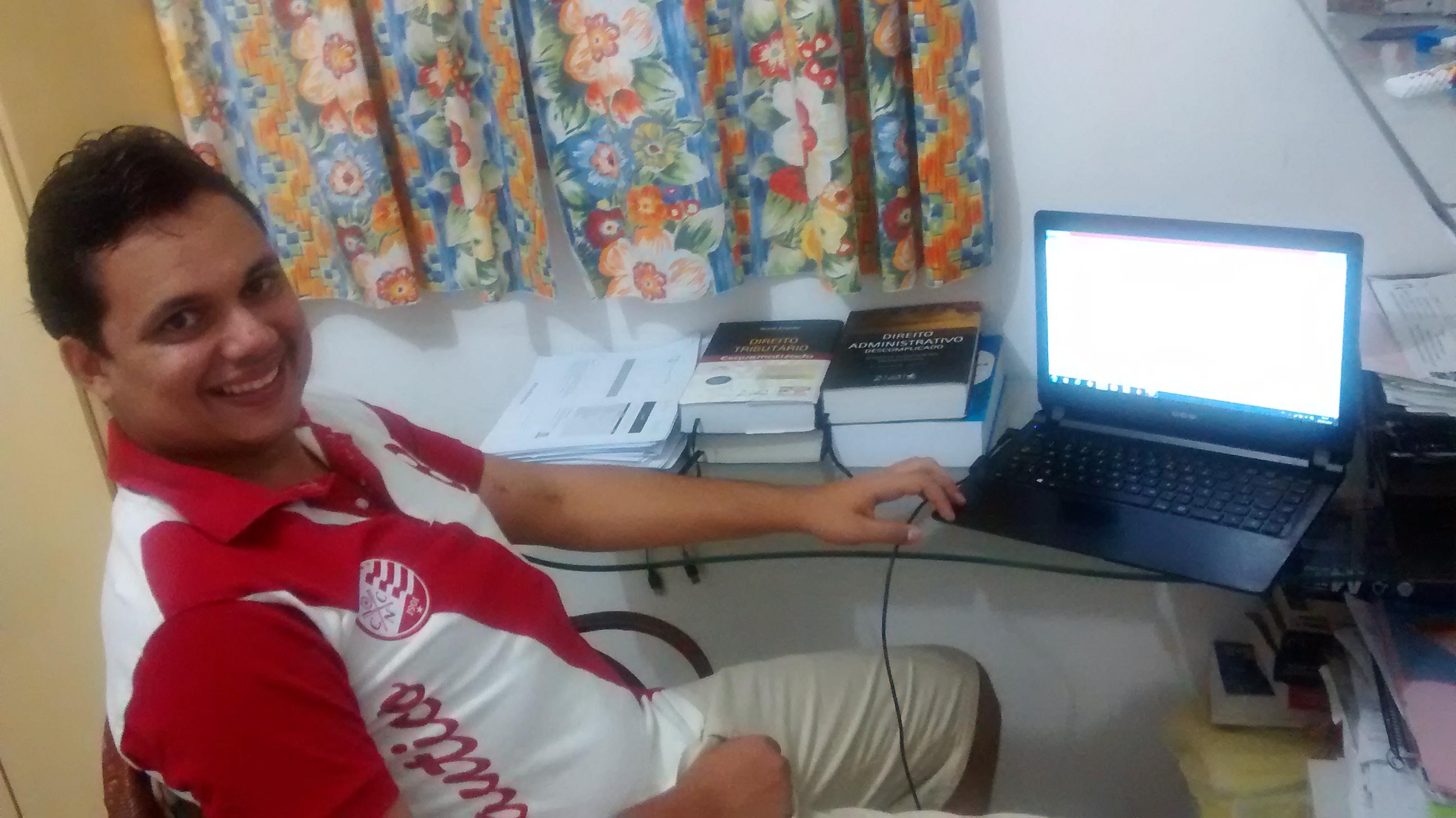 Fernando Medeiros - Aprovado no concurso de Técnico Tributário da SEFAZ/RS 2014