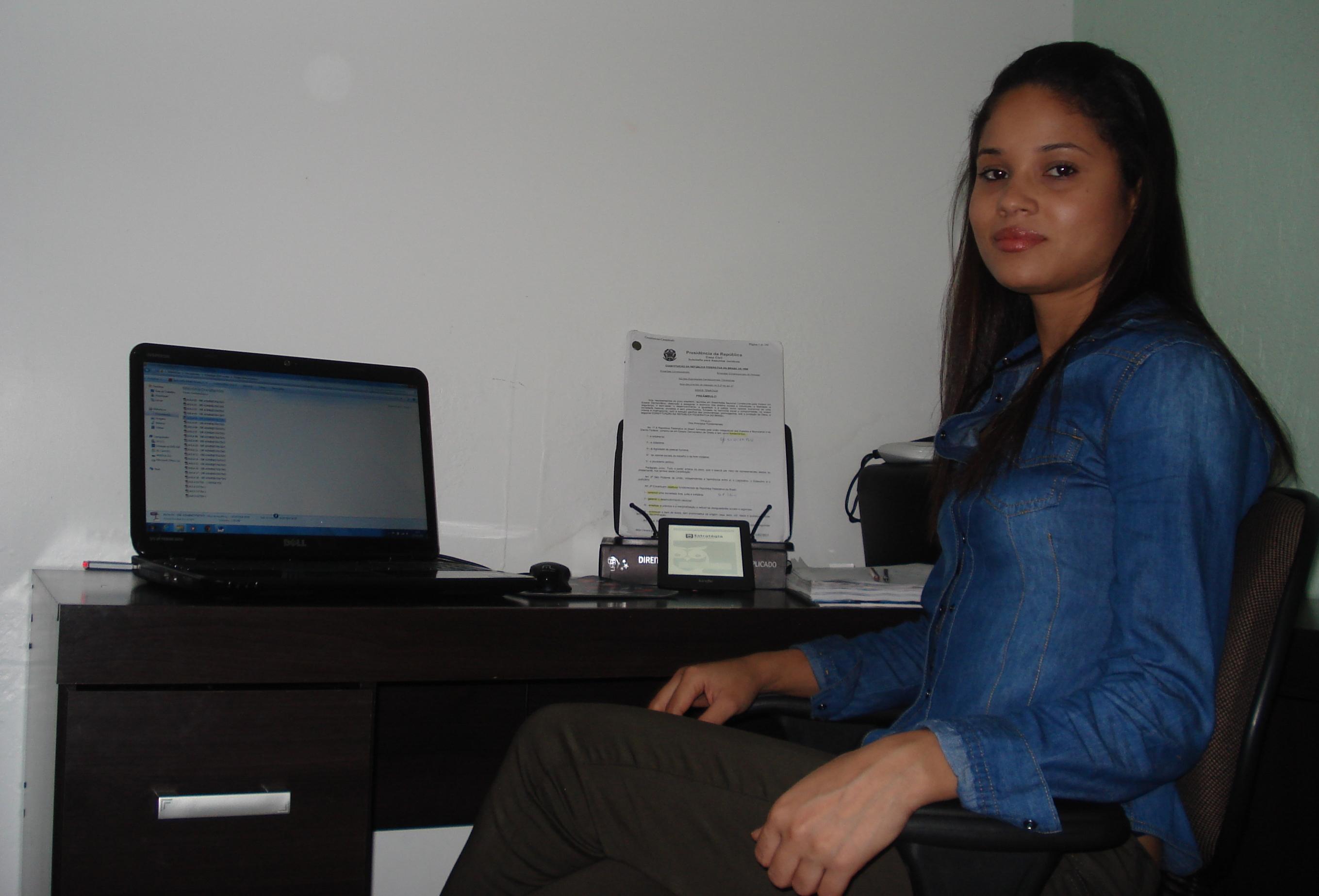 Angela Carvalho Alves - Aprovada no Concurso de INSS 2012