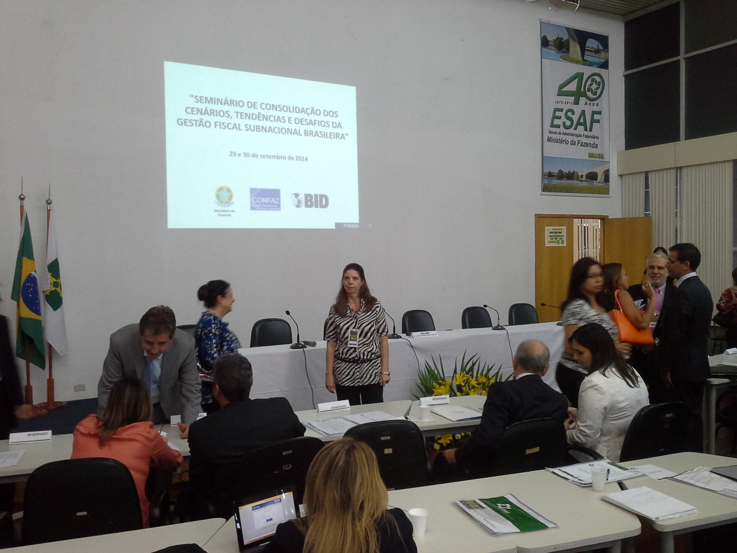 Sandra Rietjens - Aprovada no Concurso de Analista em Planejamento, Orçamento Finanças Públicas 2013