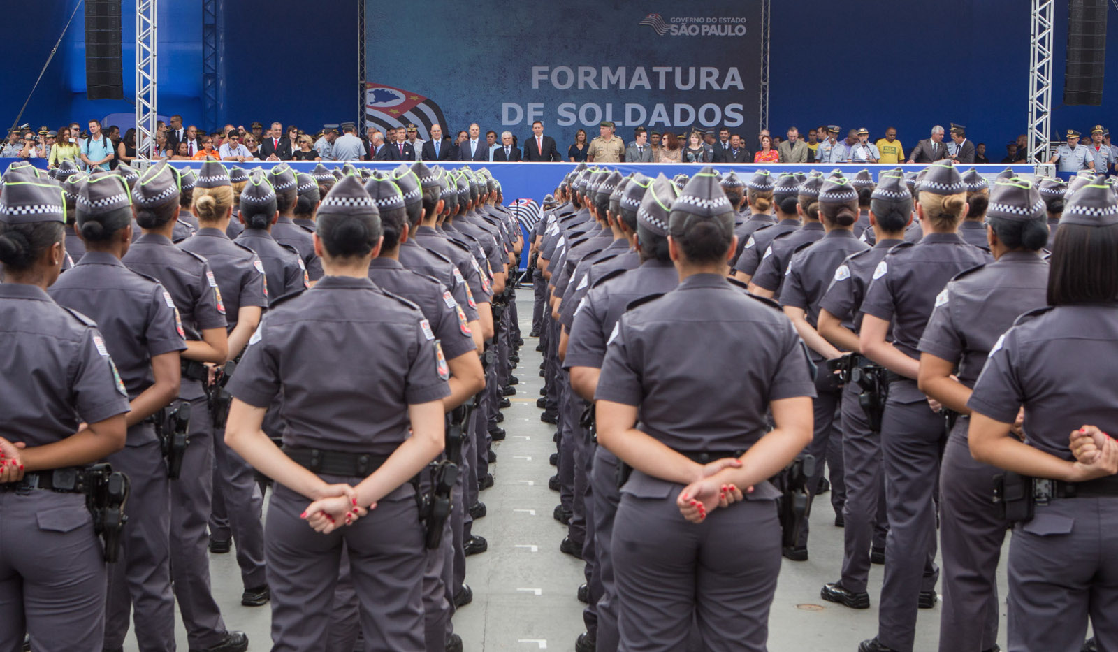 Encoxada na policial militar