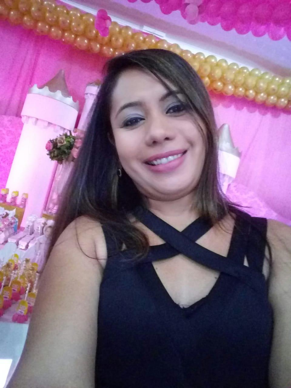 ENTREVISTA: Thayse Monteiro Modesto - Aprovada no concurso SEDUC PA no cargo de Professor de Português