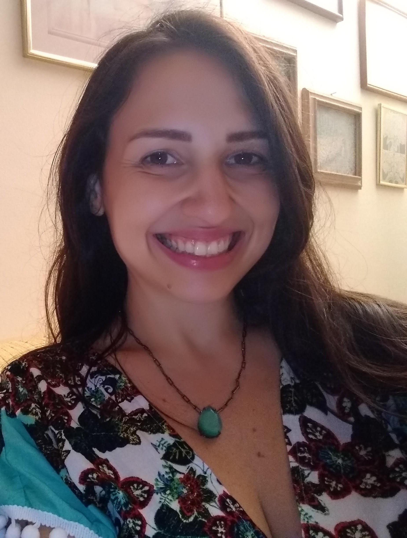 Zillá Oliva, aprovada em 33º lugar no concurso PGE SP para o cargo de Procuradora do Estado