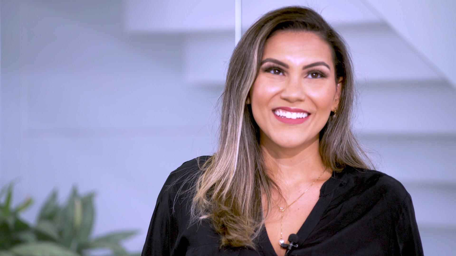 ENTREVISTA EM VÍDEO: Raquel Castro - Aprovada no TRT 15 para o cargo de Oficial de Justiça, polo Bauru