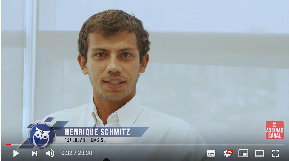 ENTREVISTA EM VÍDEO: Henrique Schmitz - Aprovado no concurso ICMS SC em 16° lugar para o cargo de Auditor Fiscal - Área Auditoria e Fiscalização