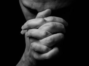 Intolerância religiosa - tema da redação do Enem 2016