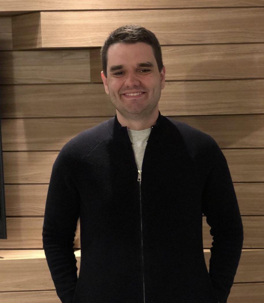 ENTREVISTA: Pedro Marinho - Aprovado em 1º lugar no concurso AGU no cargo de Técnico em Comunicação Social