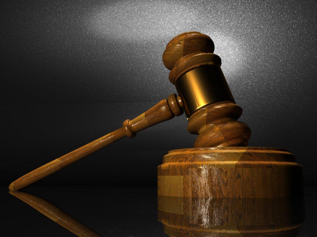 Muitas vezes existem conflitos que só podem ser solucionados no judiciário.