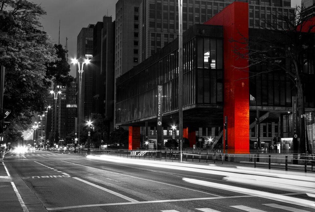 Principalmente para cidades de grande porte a iluminação pública é fundamental.