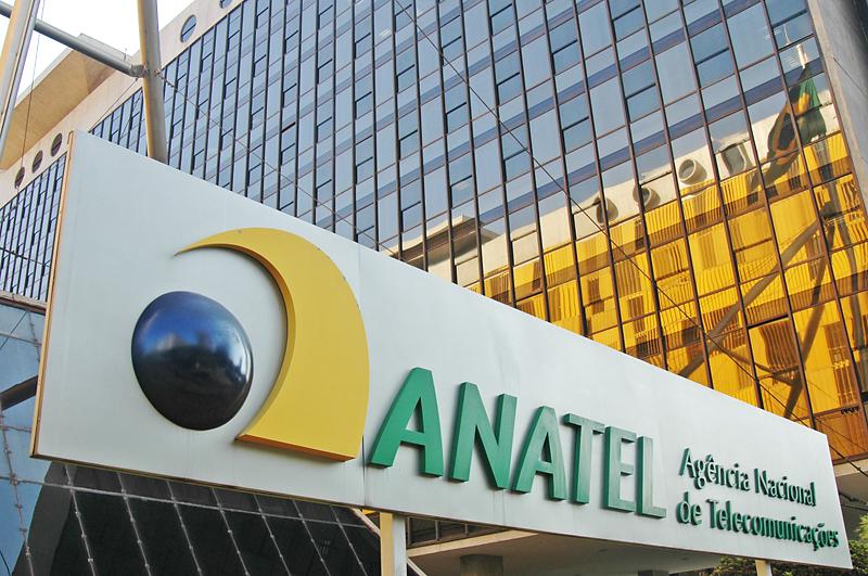 A Agência Nacional de Telecomunicações (ANATEL) foi uma das primeiras agências reguladoras