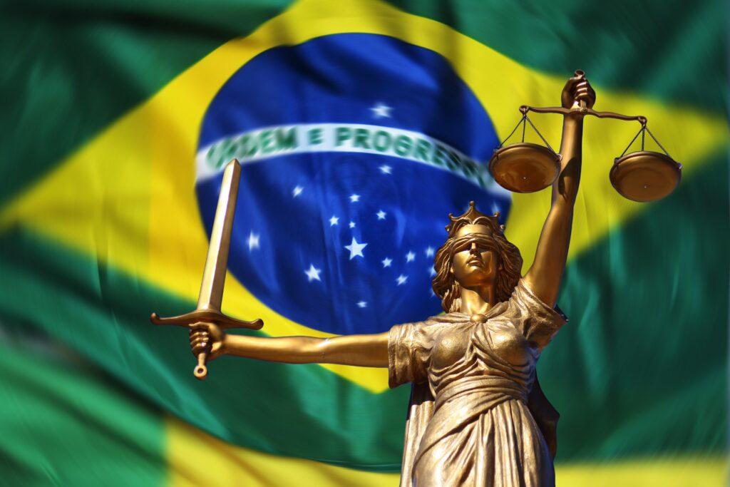 O direito tributário brasileiro é composto de fontes formais e materiais, além dos princípios.
